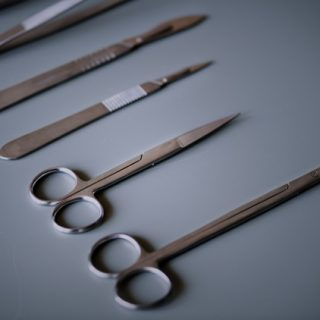 Setbacks of using defective surgical instruments
